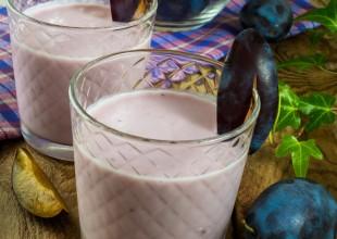 Koktajl z kefiru i śliwek suszonych