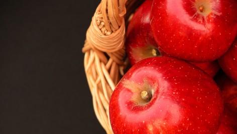 Lek przeciw otyłości znajduje się w skórce jabłka!