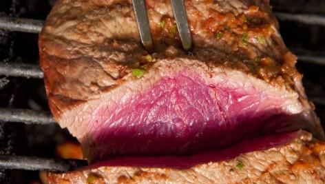 Czerwone mięso - unikać, czy wprost przeciwnie?