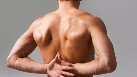 Złe i dobre ćwiczenia na bolące plecy