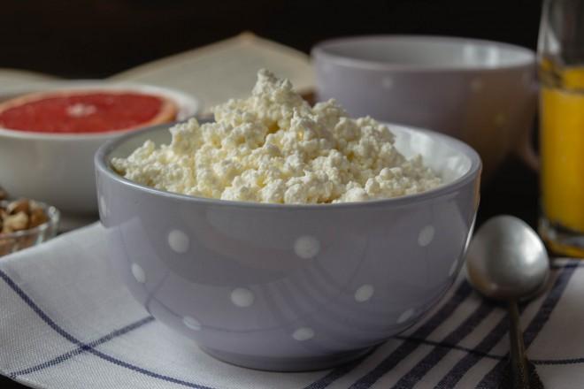 Twarożek z jogurtem; grejpfrut