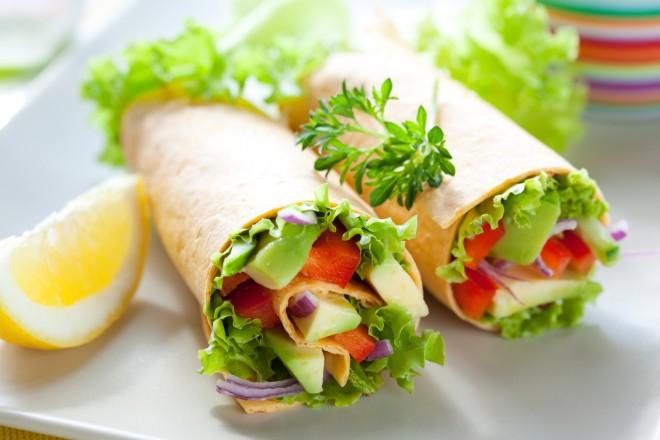 Tortilla z ciecierzycą i warzywami