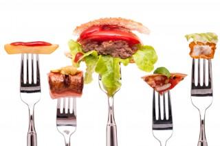 Widelec HAPIfork, który przypilnuje twoją dietę